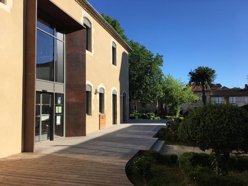 Création d'une terrasse bois et bardage à Vic-Fezensac